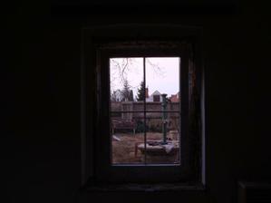 Okno do záhrady
