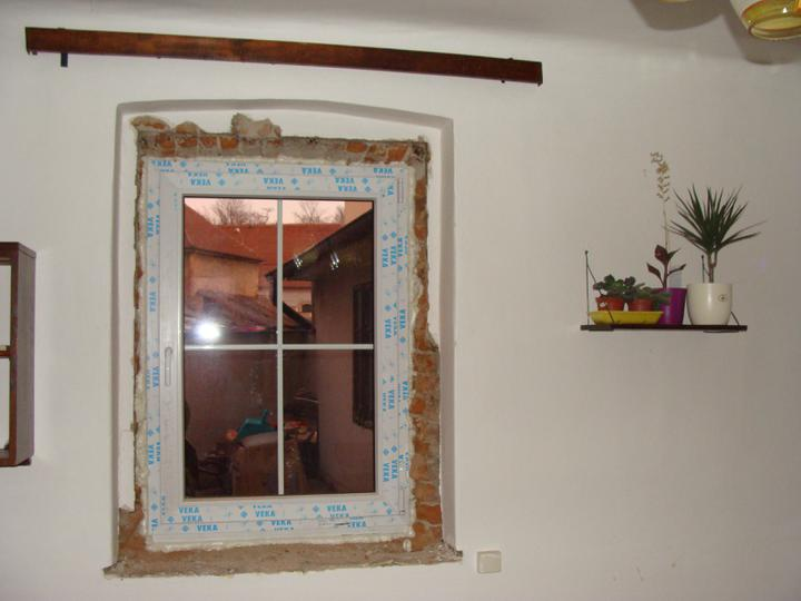 Domov - Okno do dvora