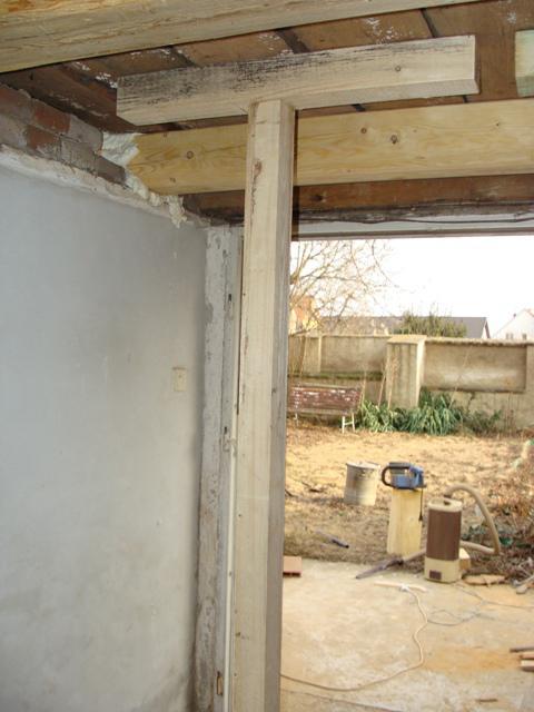 Domov - Hranol v prístavbe vymenený