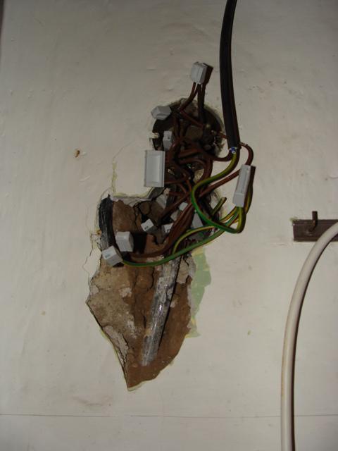 Domov - Naša elektrika - hrůza