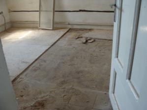 Odkrývame starú podlahu