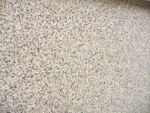 detail kamínků..barvy hnědobéžová s černou