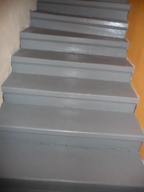 Schody - schody před....natřený beton