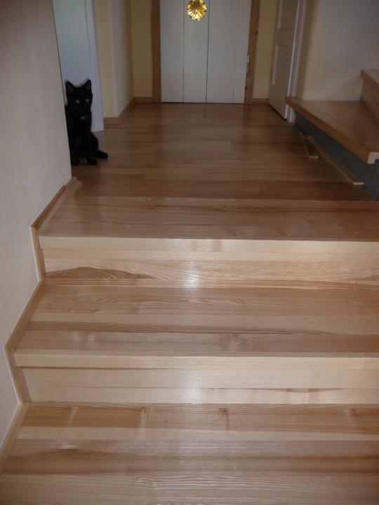 Schody - schody po...obloženo jasanem