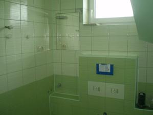 este nedokoncena kupelna dole chyba este sprcha zachod umyvadlo