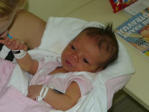 Naše Eliška druhý den po porodu