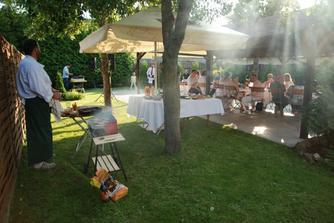 zahradní párty pro cca 20 lidí
