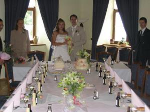 zasedáme ke svatební tabuli