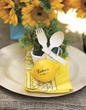 citrony místo jmenovek na stůl... možná v trochu jiném provedení