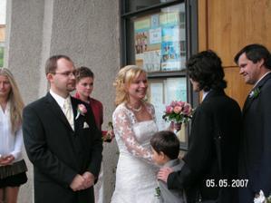 Prvi gratulanti po obrade...