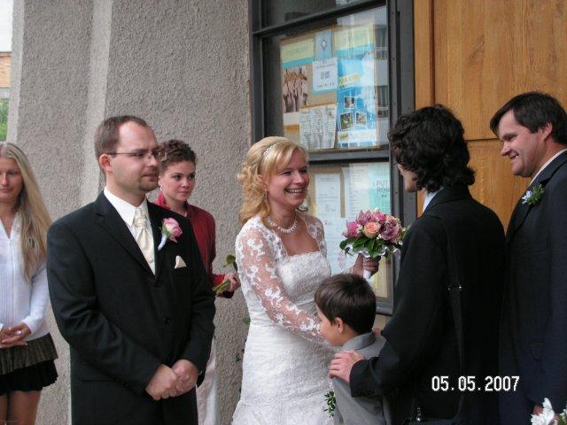 Katka{{_AND_}}Petrík - Prvi gratulanti po obrade...