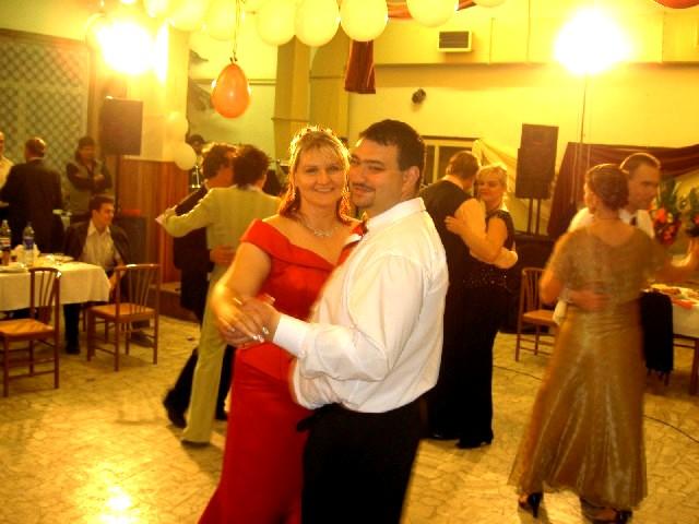 Erika{{_AND_}}Rastislav - ...pán a pani Madajoví...