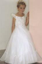 šaty pro druzicku, v šampaň, pro moji 5 letou sestřenici =o)
