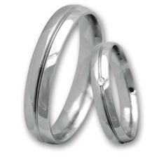 naše snubní prstýnky, které budou z oceli....