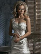 Tak šaty vybrány ...jsou úžasné! Budu je mít v bílé barvě.