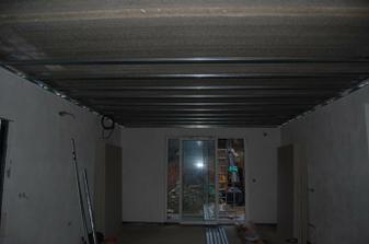 konečně se dodělávají stropy