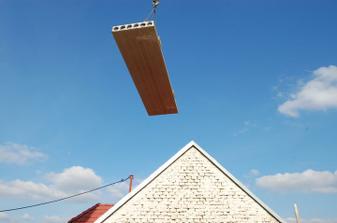 """sousedi by asi nebyli rády, kdyby jim tento """"lehoučký"""" panel přistál na střeše :-)"""