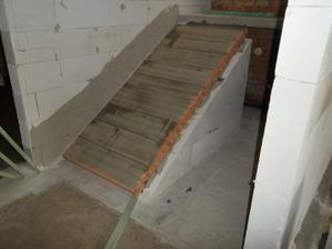 schodiště do přízemí