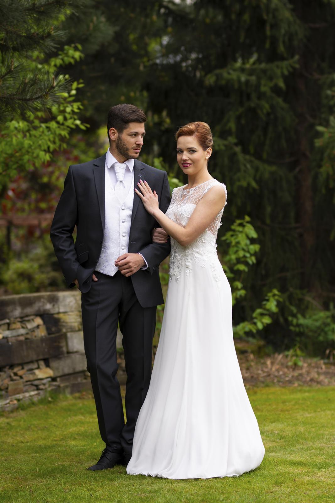 Svatební salon Adeleine - Svatební šaty v ivory barvě. Originál model našeho salonu. Vel. 34-38