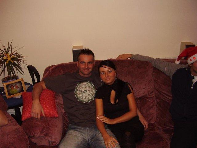 Aďka a Peťko :-) 2. august 2008 :-) - Mucko a ja  z decembra 2007, muckove narodeninky