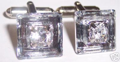 Aďka a Peťko :-) 2. august 2008 :-) - Manzetove gombiky pre mucka Swarovskeho krystaliky