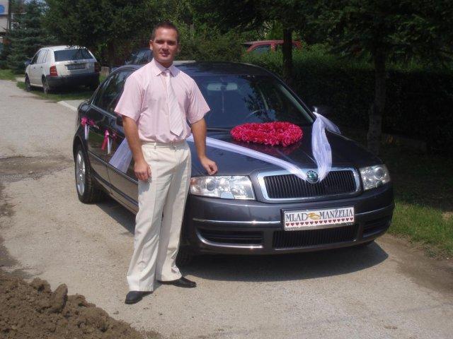 Čo sa nevošlo do svadobného albumu - auto s kamarátom a zároveň šoférom Ferom