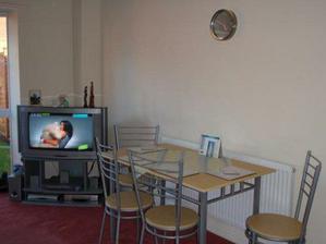 Jedálenský stol v obývačke