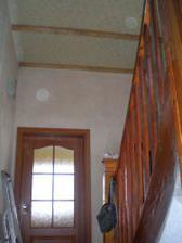 Také jsme již strhali palubky na stropě v chodbě, vše se doladí po koupelně..