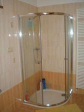 Sprchový kout.
