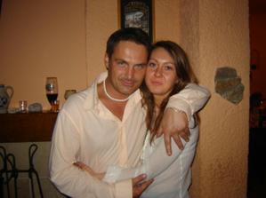 manželův druhý taťka s přítelkyní