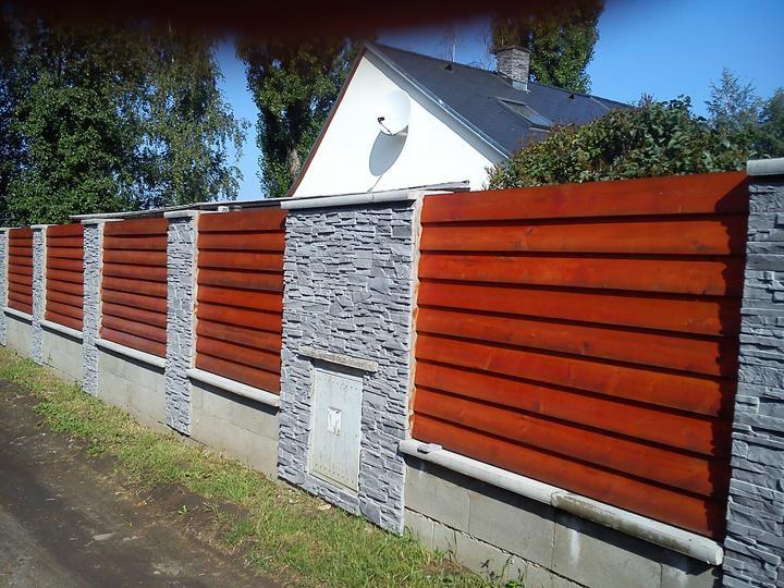 Tak a děláme plot..konečně - až to bude hotové, tak to bude super