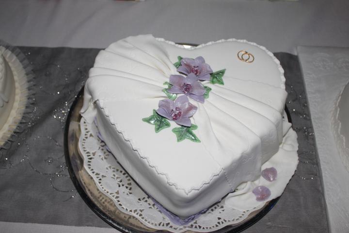 Tortičky z našej svadbičky :-) - Obrázok č. 11