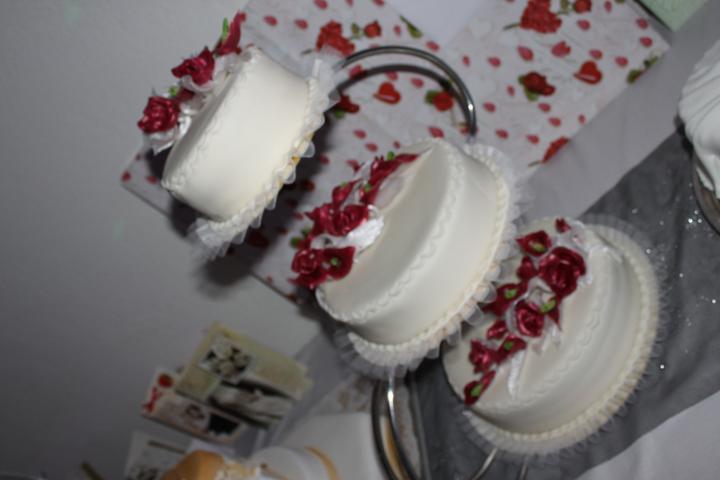 Tortičky z našej svadbičky :-) - Obrázok č. 12