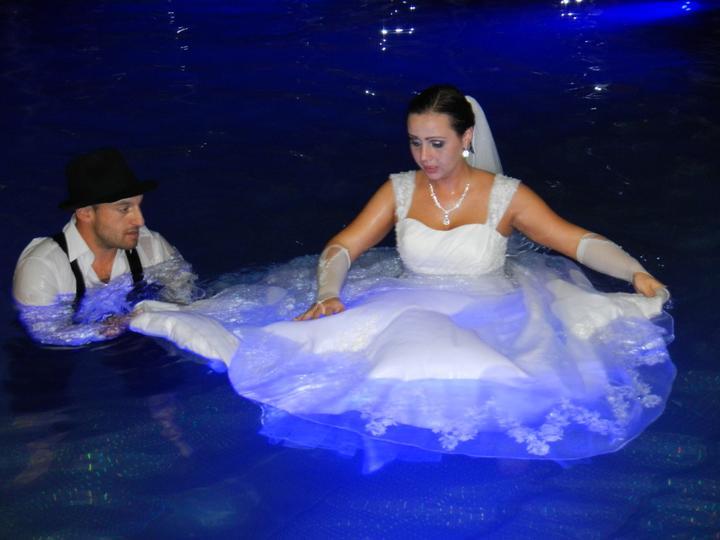 Skrátené videoukážky z našej svadby a svadobný wellnes :-) - Obrázok č. 5