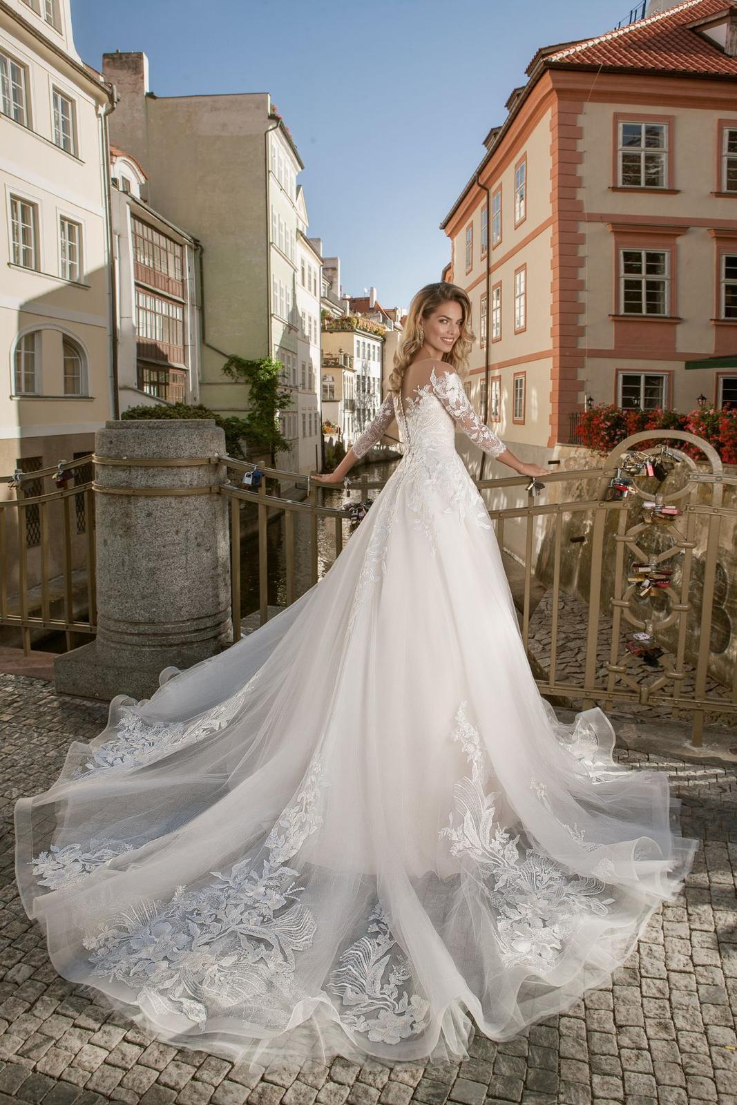 Eva Grandes princeznovské svatební šaty - Lillian záda svatební šaty