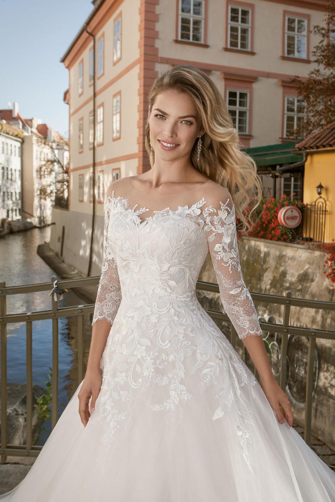 Eva Grandes princeznovské svatební šaty - Lillian z blízka svatební šaty