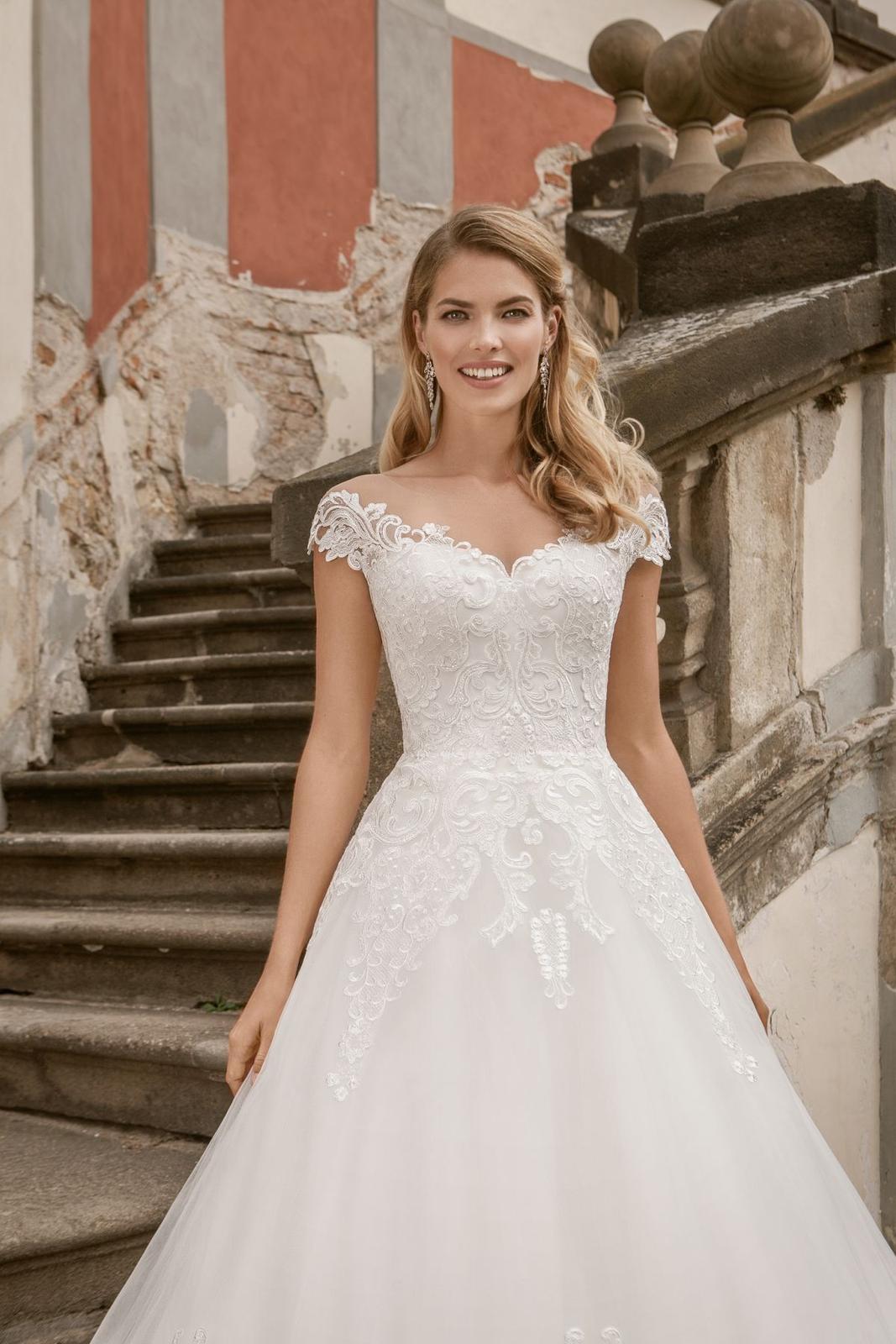 Eva Grandes princeznovské svatební šaty - Marilyn z blízka svatební šaty