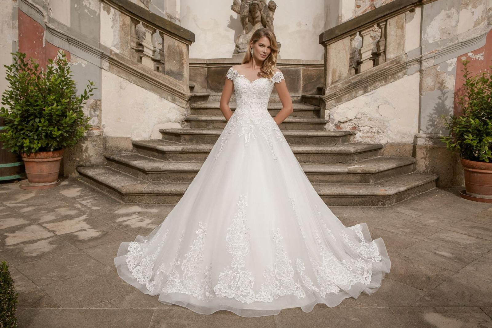 Eva Grandes princeznovské svatební šaty - Marilyn celková svatební šaty