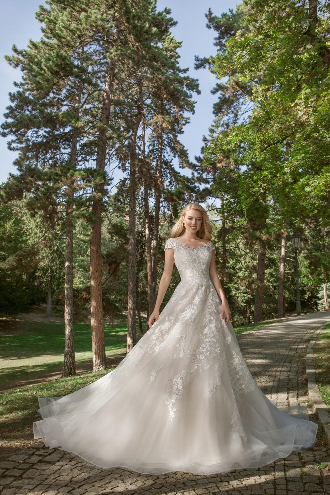 Eva Grandes princeznovské svatební šaty - Samanta svatebni šaty