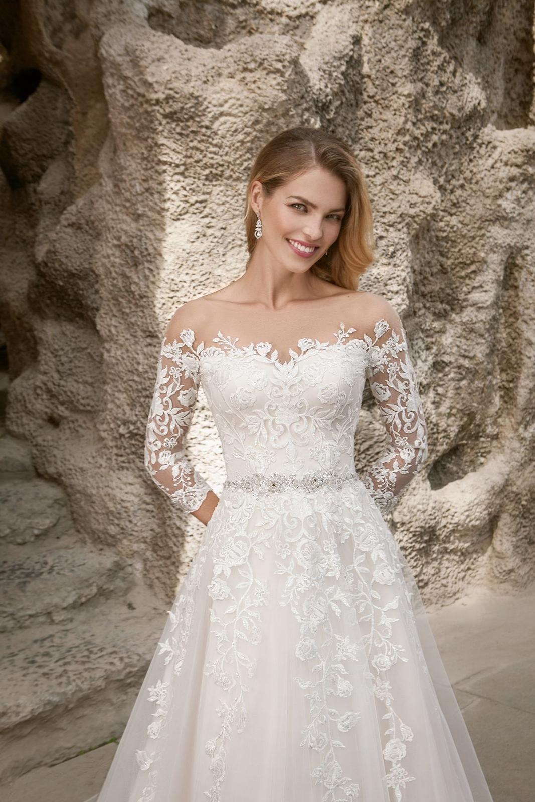Eva Grandes princeznovské svatební šaty - Constance z blízka svatební šaty v boho stylu