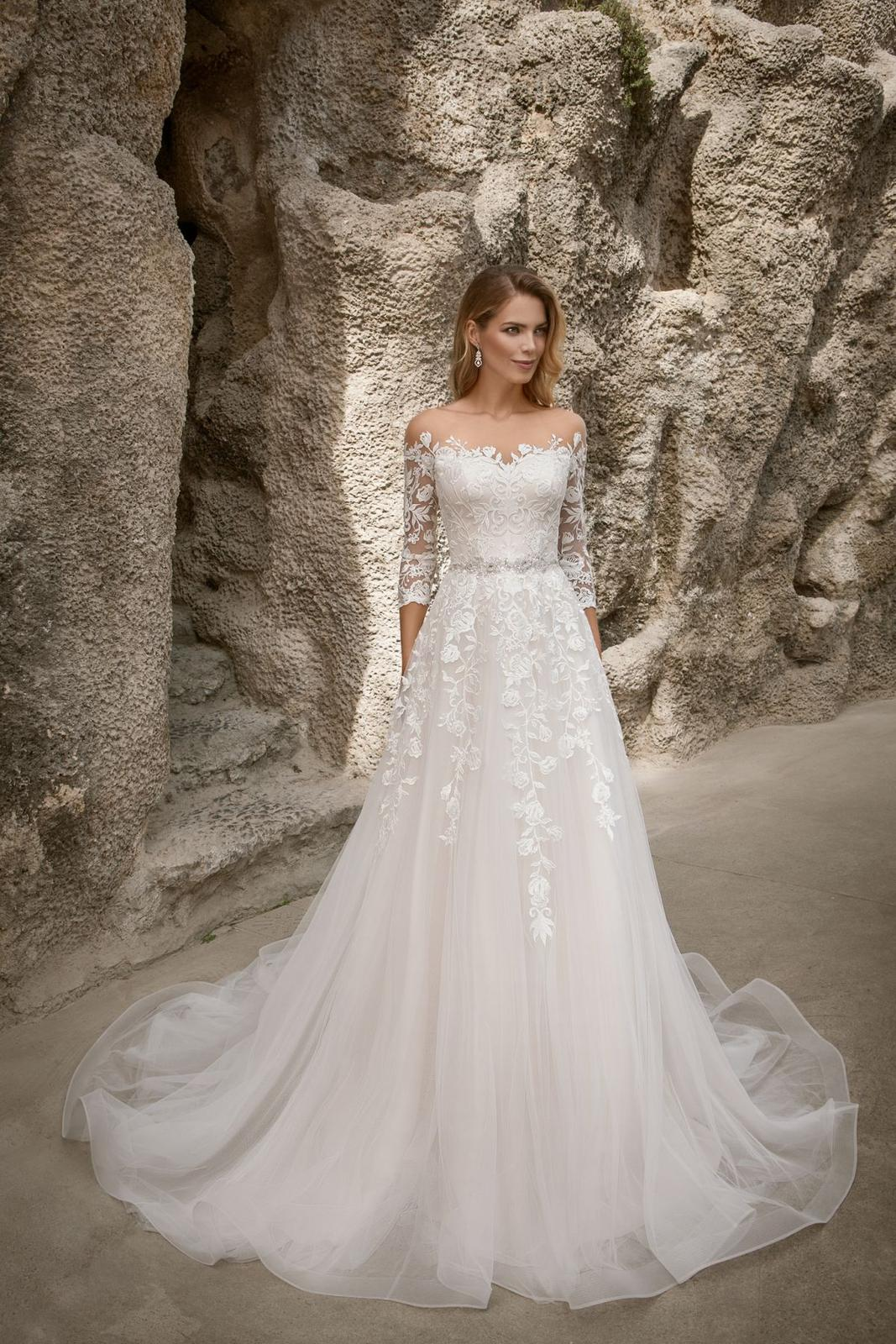 Eva Grandes princeznovské svatební šaty - Constance celková svatební šaty v boho stylu