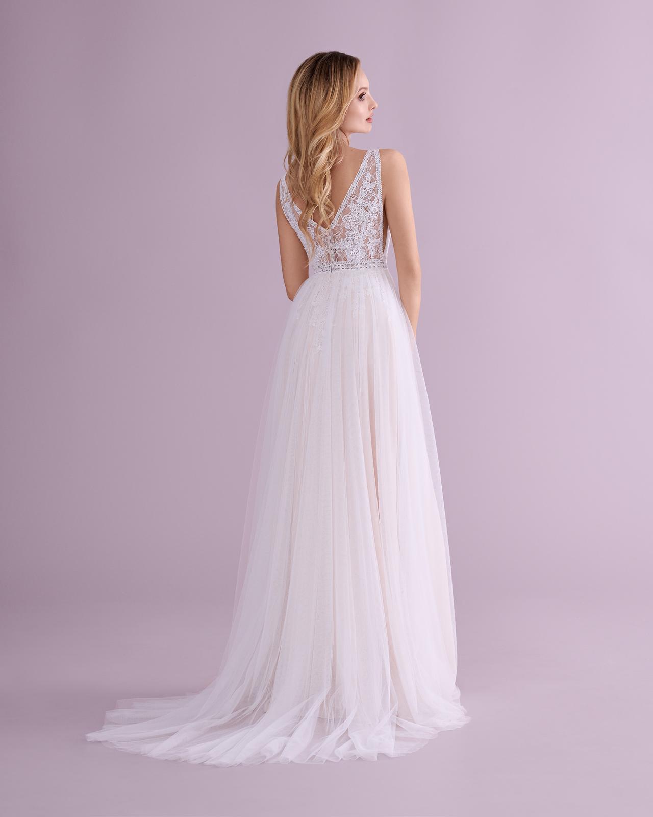 svatbyzbraslav - E-4553 jemné svatební šaty do přírody