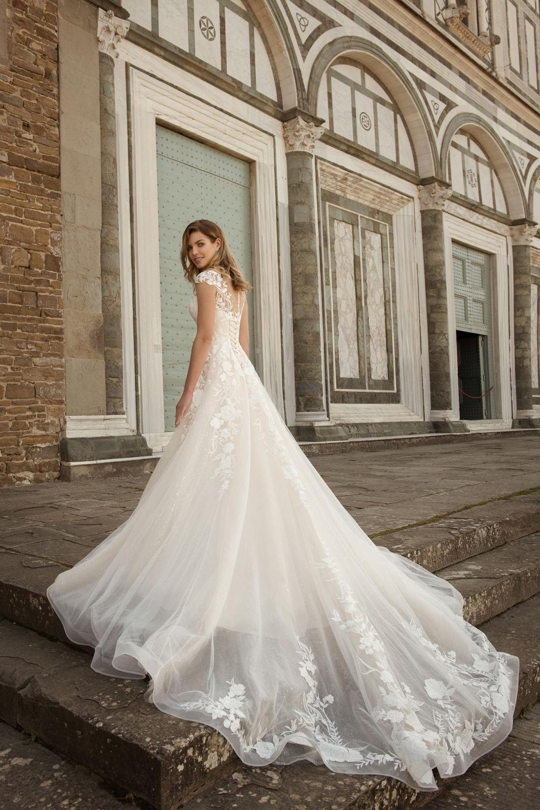 Eva Grandes 2021 svatební šaty na míru - Miranda - Eva Grandes zada