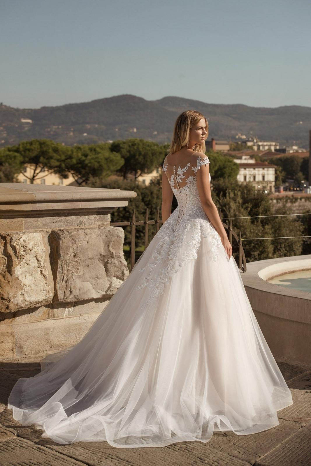 Eva Grandes 2021 svatební šaty na míru - Santi - Eva Grandes zada