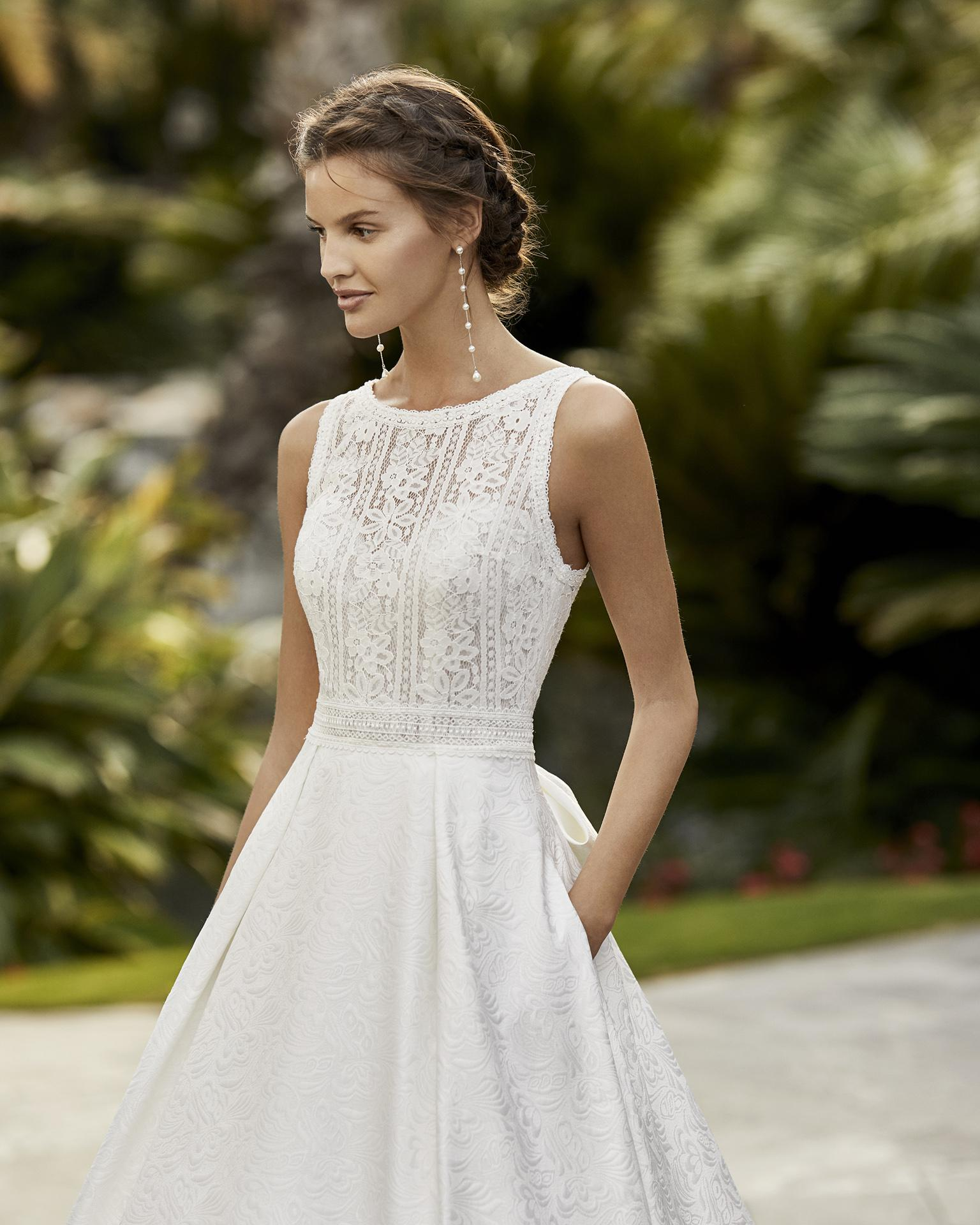 svatbyzbraslav - ZUNIL svatební šaty od Ariana Alier by Rosa Clara