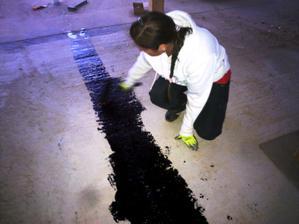 Šikovna to robka moja....roztavila pendrek a šust ho na podlahu.