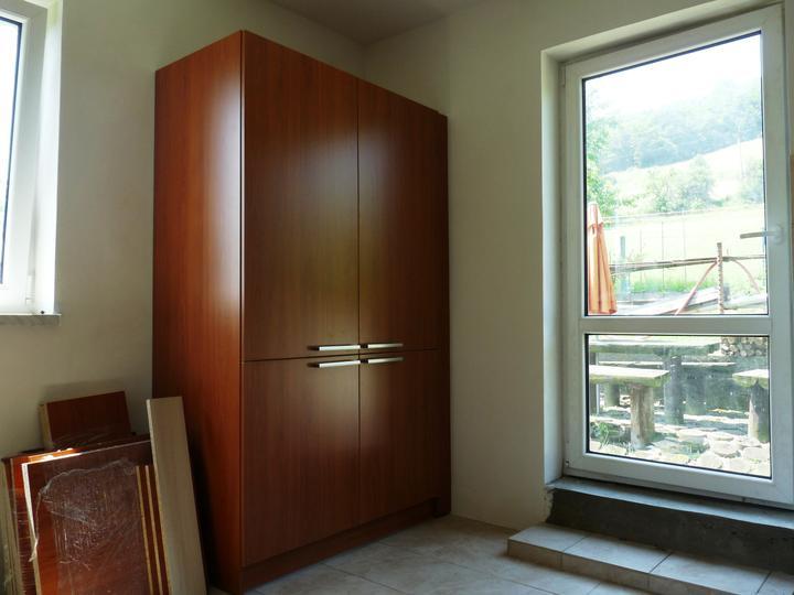Kuchyňské linky....realizace - Vestavná lednice+spižírna