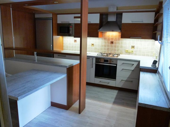 Kuchyňské linky....realizace - Linka v provedení třešeň victoria+jasmín.Spotřebiče BAUMATIC