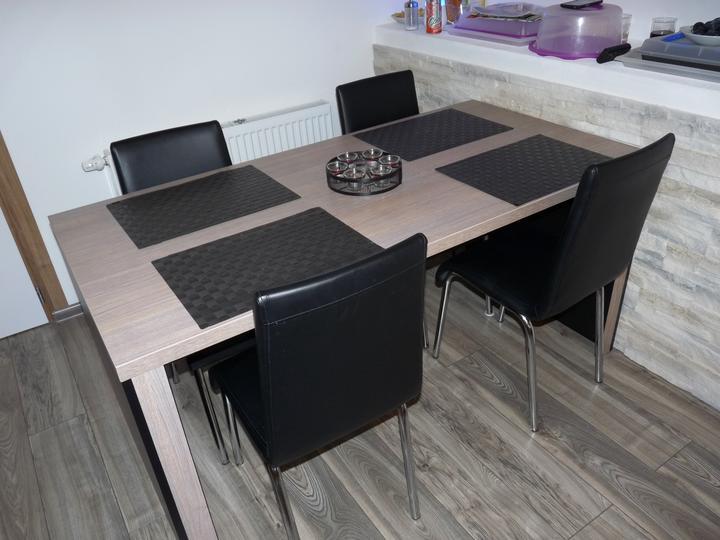 Kuchyňské linky....realizace - Jídelní část kuchyňského prostoru