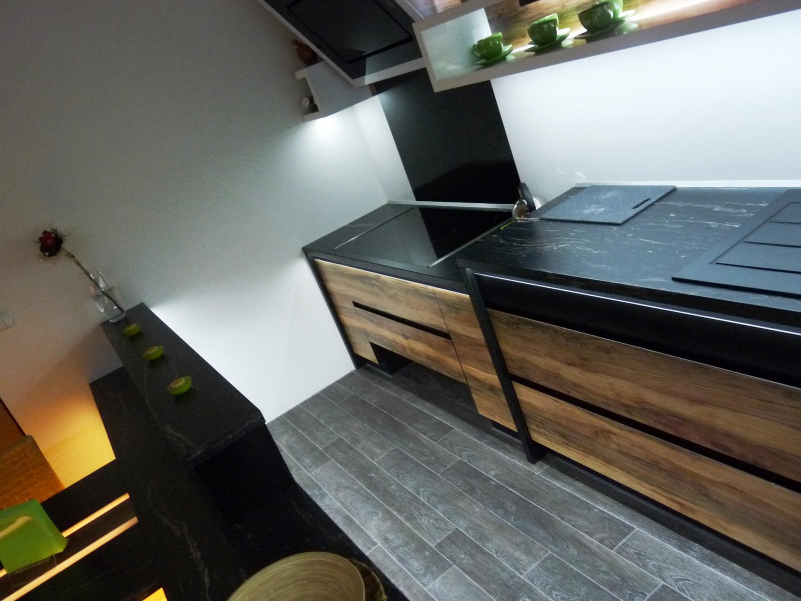 Kuchyňské linky....realizace - Varná část je snížena na 80cm